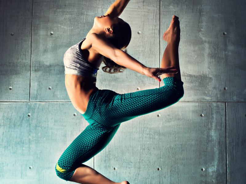 Pozwala schudnąć, wzmacnia mięśnie i daje dużo radości. Zumba zdobywa coraz większą popularność!
