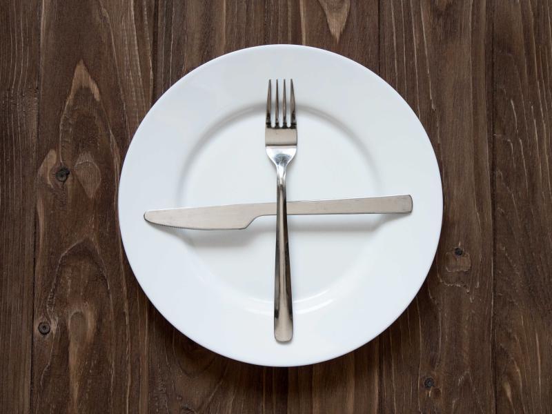 Precz z głodówkami! Są szkodliwe szczególnie dla młodych kobiet!