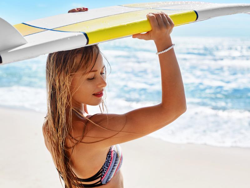 Próbowałyście surfingu? To jeden z najpopularniejszych sportów wodnych na świecie