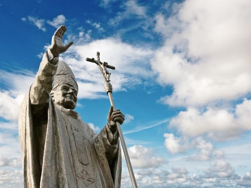 Papież posąg