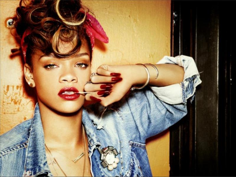 Rihanna zaprojektuje ciuchy dla River Island