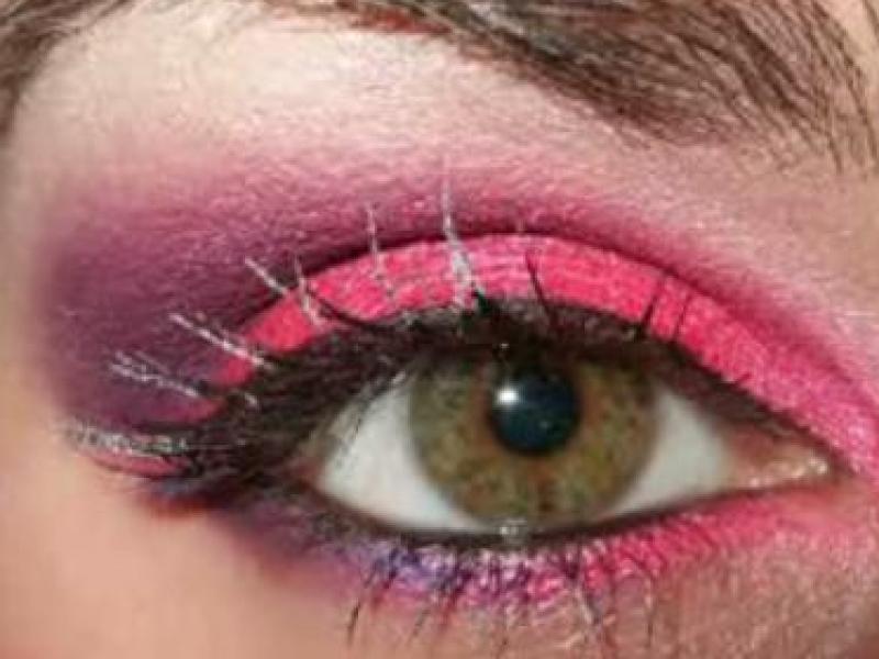 Różowo-fioletowy makijaż oczu (video)
