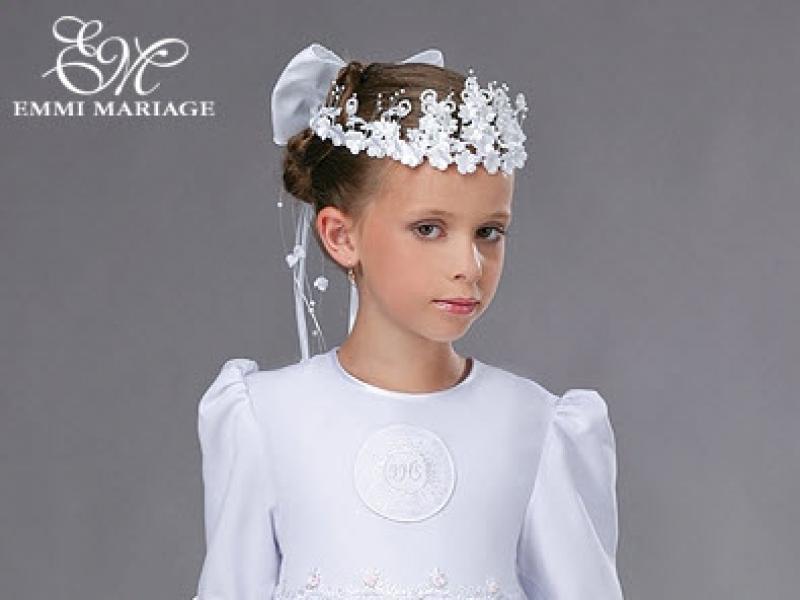 345a55fbfb Skromne sukienki komunijne Emmi Mariage - Uroczystości rodzinne - Polki.pl