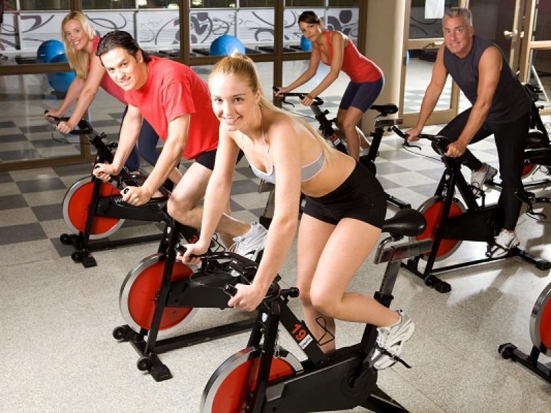 Spinning, czyli dobra zabawa na rowerze