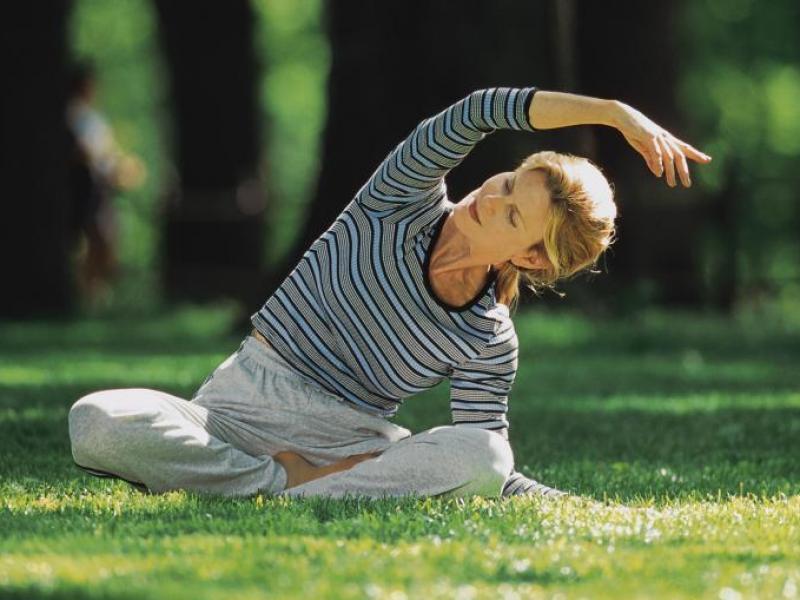 Sprawdź! Jak ćwiczyć pilates w plenerze?