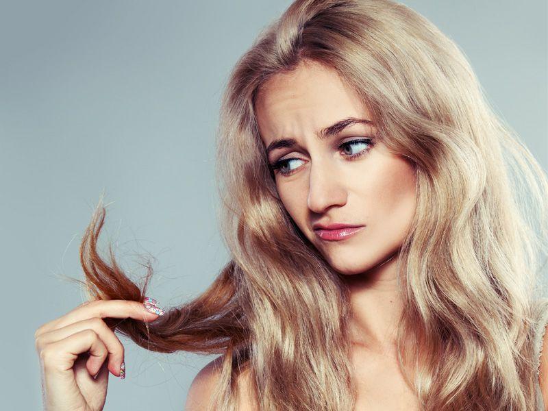 Sprawdź, jak odżywić bardzo zniszczone włosy