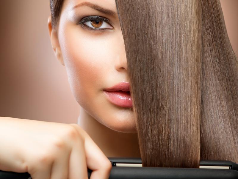 Sprawdź, jak skutecznie prostować włosy!