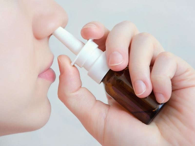 Spray do nosa, który zabija koronawirusa. Właśnie przechodzi testy