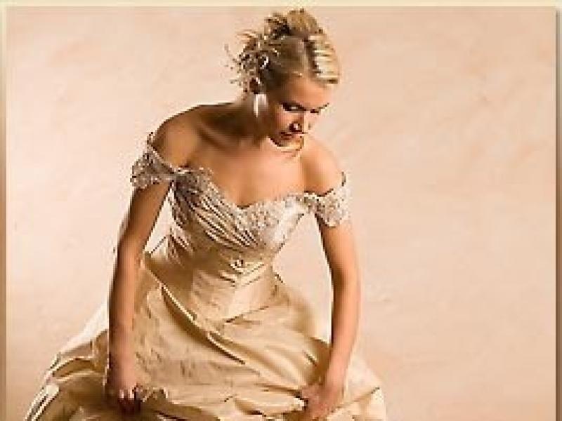 a2dc050548 Sprzedam śliczną suknia w kolorze cappucino - ANNA - Suknie ślubne -  Ogłoszenie - Komis
