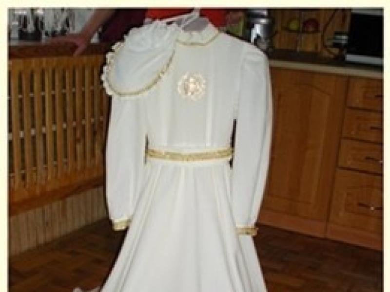 795be29fbe Sprzedam TANIO jedyną w swoim rodzaju sukienke komunijna z dodatkami! -  Ubranka komunijne - Ogłoszenie - Komis