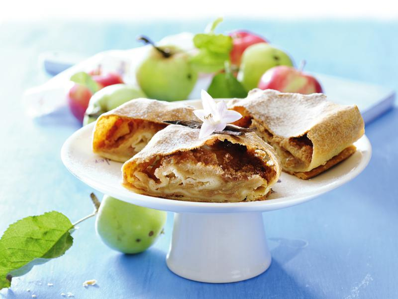 Strudel z jabłkami