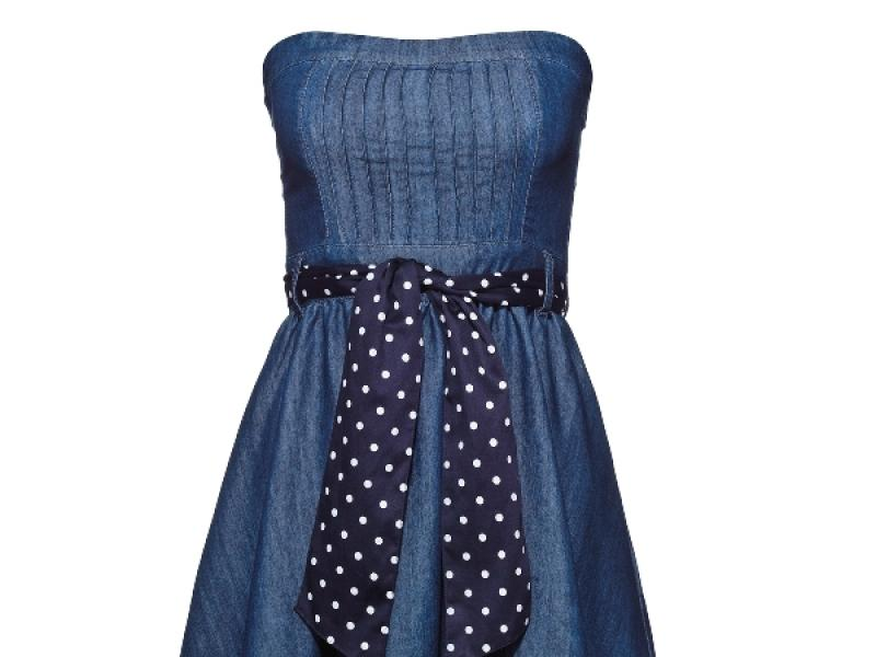 f2b13a40e1 Sukienki dżinsowe z wiosennych i letnich kolekcji - Trendy sezonu - Polki.pl