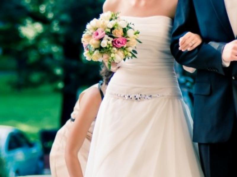 38892fcbb4 Suknia ślubna Legionowo Luna Novias 2011 - Gedania - Suknie ślubne -  Ogłoszenie - Komis
