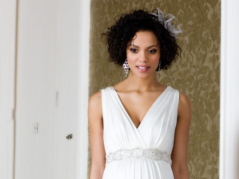 7fe1c8def4 suknia ślubna Tiffany Rose odcinana pod biustem - Suknie ślubne dla kobiet  w ciąży - Suknie ślubne i dodatki - Zdjęcie 5 - Polki.pl