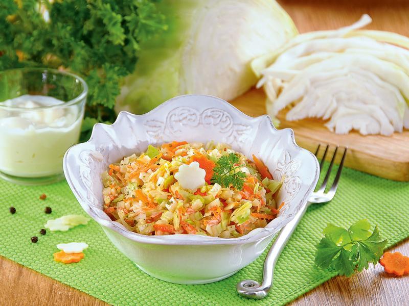 Surówka Colesław: idealna do obiadu