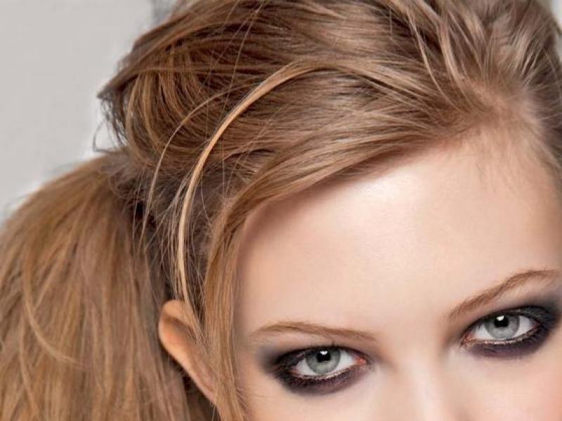 Świąteczna fryzura na luzie