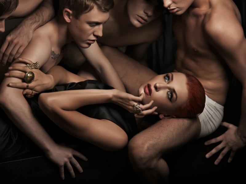 seks klub gangbang dojrzałe filmy porno nauczyciel