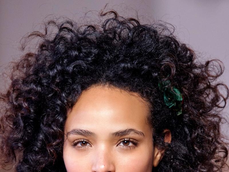 Fryzury Z Kręconych Włosów Jaką Wybrać Jak Układać Jak
