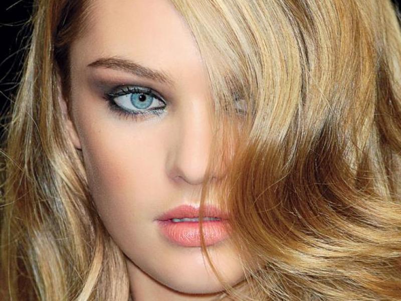 Szybkie sposoby na przywrócenie włosom blasku