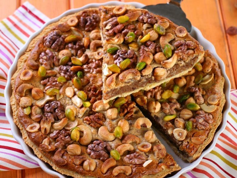 Tarta potrójnie czekoladowa w orzechach i płatkach migdałowych