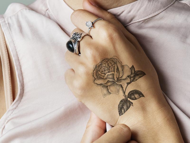Tatuaż Róża Jakie Jest Jego Znaczenie Ile Kosztuje I
