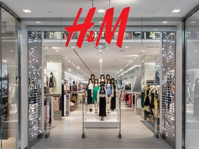 Sukienka w paski H&M hitem lata 2019