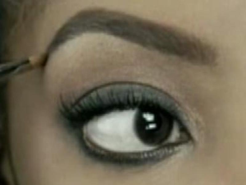 Techniki malowania smoky eyes (video)