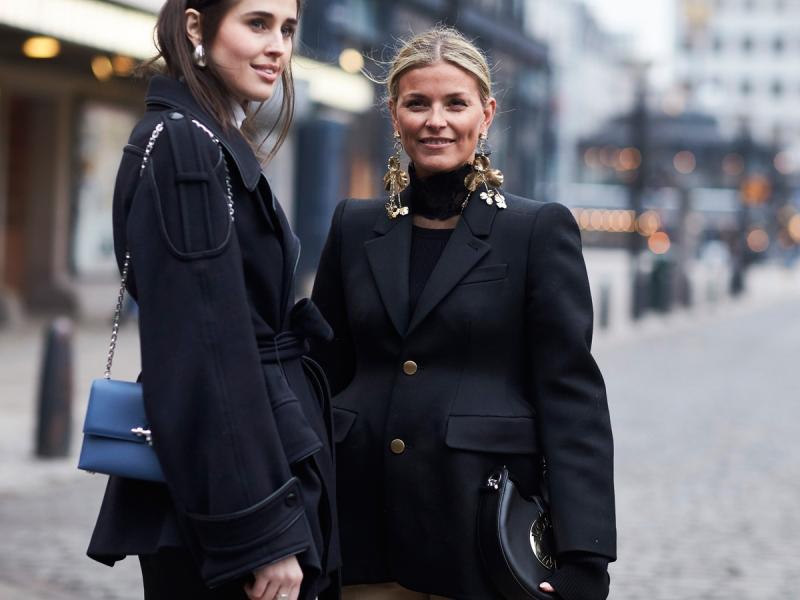 Dwie ładne kobiety