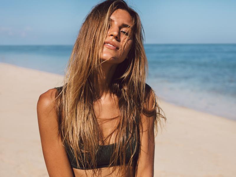 Odżywki do włosów w sprayu Aussie