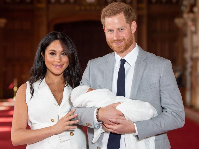 Sukienka Meghan Markle z prezentacji royal baby
