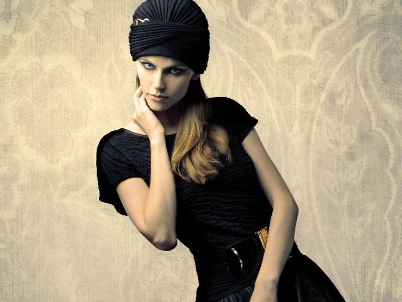 Turban zamiast fryzury - jak to się nosi?