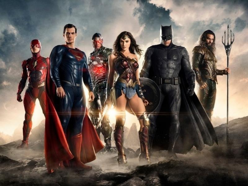 """Twój mężczyzna też może być superbohaterem z """"Ligi Sprawiedliwości"""". Jak? Podaruj mu to!"""