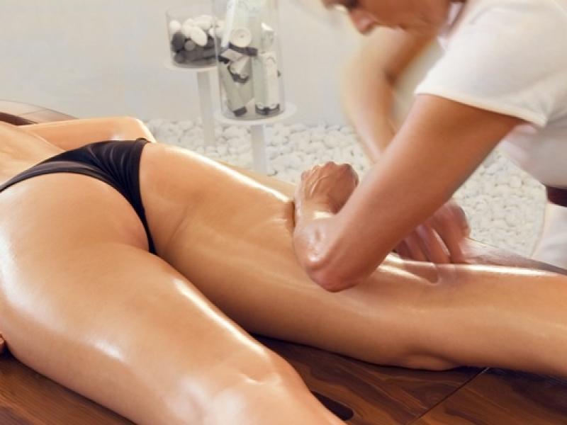 Uderzyć w cellulit masażem
