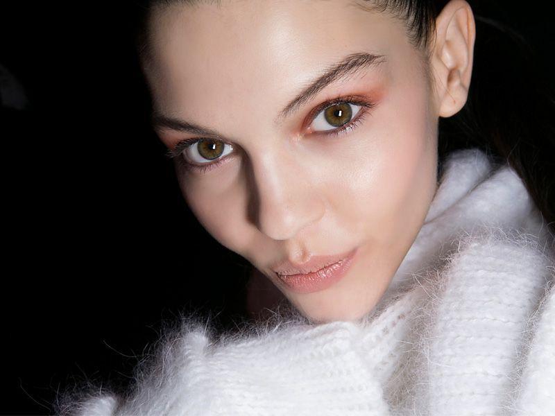 """""""Uroda Życia"""": 3 triki na to, aby wieczorowy makijaż był olśniewający!"""