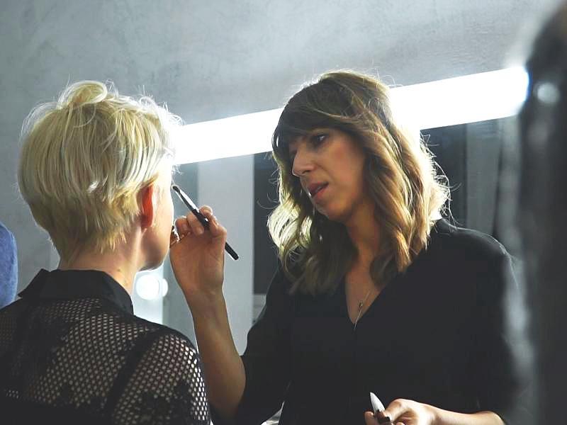 """""""Uwielbiam wydobywać z kobiet piękno"""" –rozmawiamy z Eryką Sokólską, makijażystką i polską ekspertką Max Factor"""