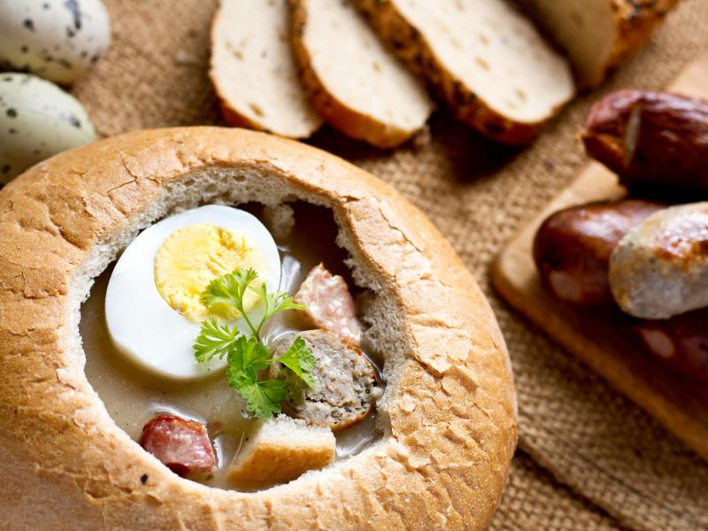 Wielkanocny żurek w chlebie