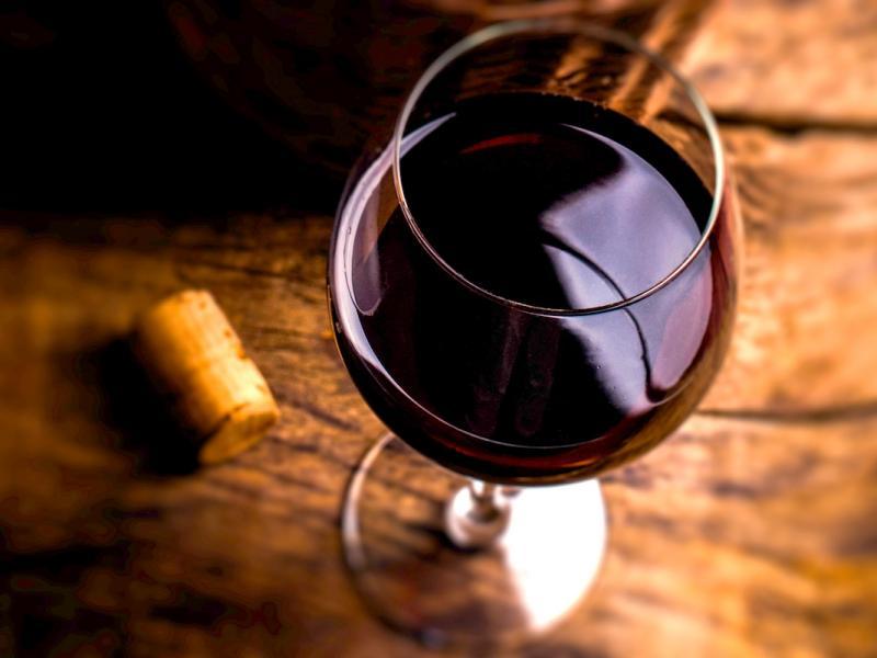 Wiesz, ile kalorii ma alkohol? Oto 5 porad, jak je ograniczyć!