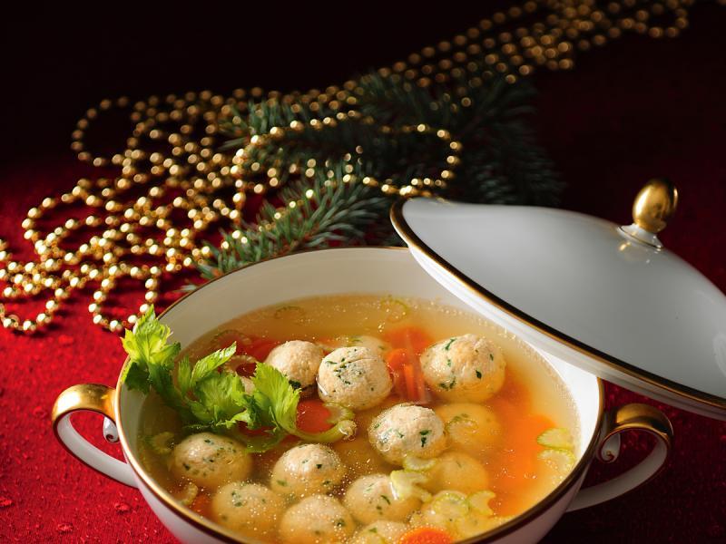 Wigilijna zupa rybna z pulpecikami