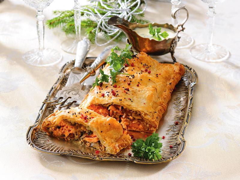 Wigilijny kulebiak z łososiem