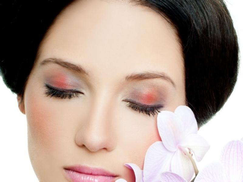 Witaminy i mikroelementy niezbędne dla pięknej skóry, włosów i paznokci
