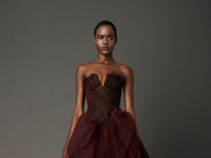 3a339ac69b zjawiskowa bordowa suknia ślubna typu księżniczka Vera Wang trendy 2013 -  Wyjątkowe suknie ślubne Vera Wang - wiosna 2013 - Suknie ślubne i dodatki  ...