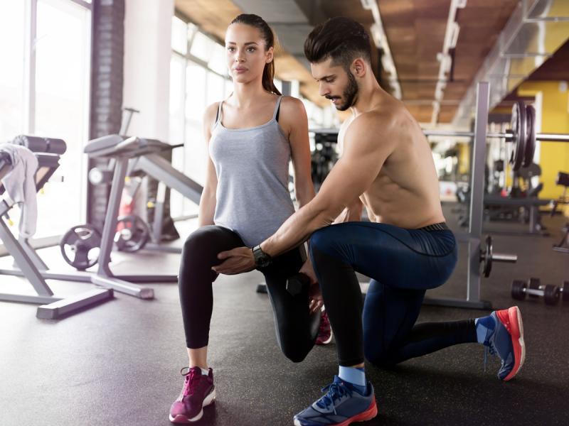 Wykroki to poste i skuteczne ćwiczenia! Dzięki nim będziecie miały jędrną pupę i zagrabne nogi