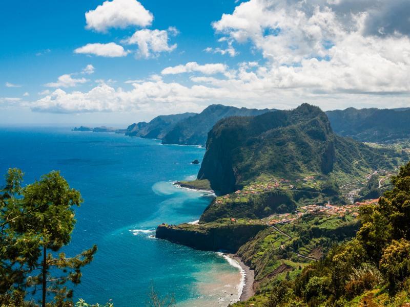 Z wizytą na wyspie wiecznej wiosny! 7 rzeczy, które warto zrobić będąc na Maderze