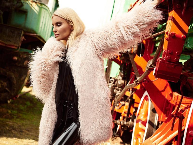 """""""Zawsze chciałam zaprojektować ubrania z lateksu"""" - Horodyńska o swojej kolekcji dla SI-Mi"""