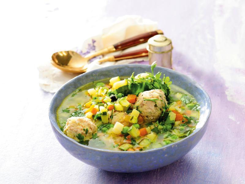 Zupa warzywna z pulpetami