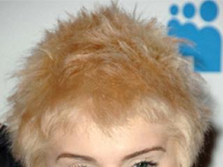 W którym kolorze włosów Kelly Osbourne wygląda lepiej?