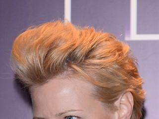 W takiej fryzurze lepiej wygląda:
