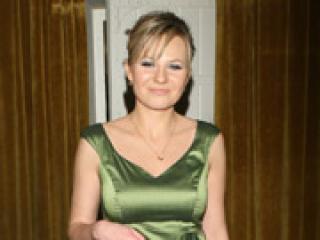 W zielonej sukience lepiej wygląda: