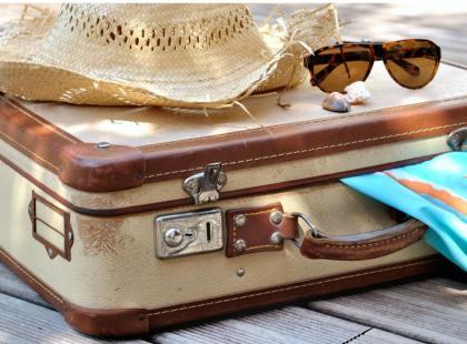 """10 """"awaryjnych"""" rzeczy do spakowania na wakacyjny wyjazd"""