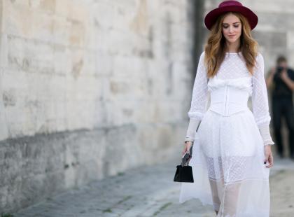 10 białych sukienek na lato, w których zakochasz się od pierwszego wejrzenia. Tak, jak my!